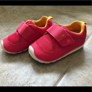 Stride Rite baby shoes in EUC
